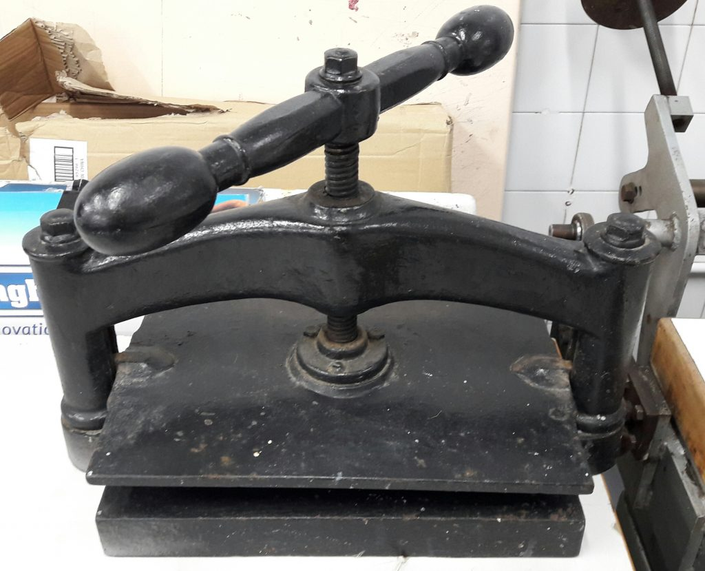 nipping-press